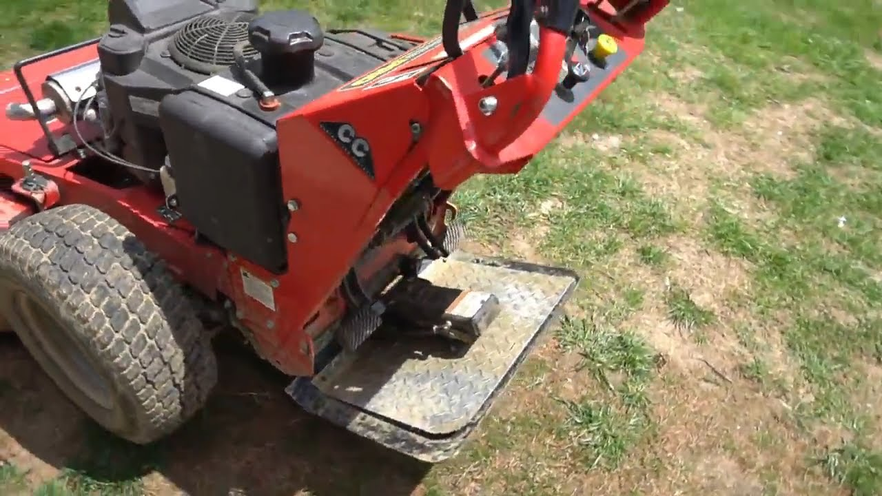 TS2000N Two Wheel Mower Sulky Scratch and Dent lawnmower