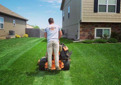 Pro Mow Lawn Care - Kansas City MO 3